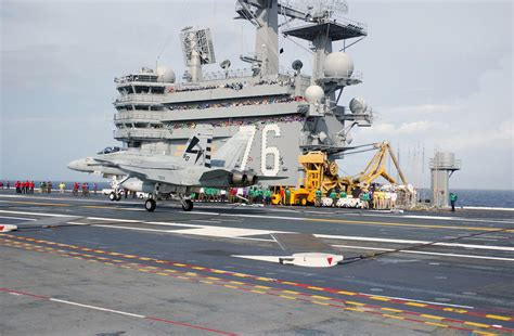 ronald portaerei uss ronald cvn 76 transport central