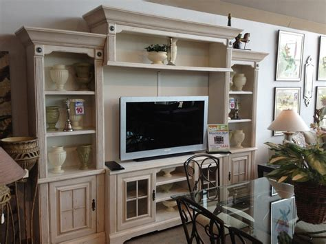rooms to go free tv rooms to go living rooms home design