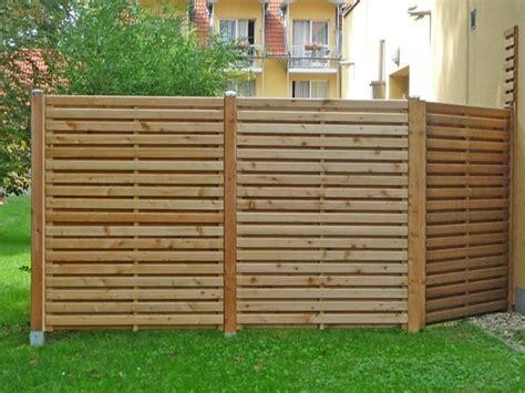 Garten Sichtschutzwand by Garten Sichtschutz Holz Pflanzen Kunstrasen Garten