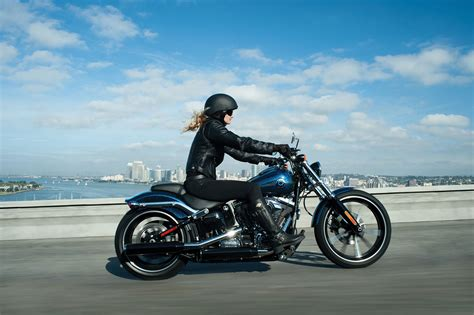 2013 Harley Davidson FXSB Breakout Review