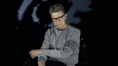 blackstar david bowie david bowie conquers us charts at last with first ever 1
