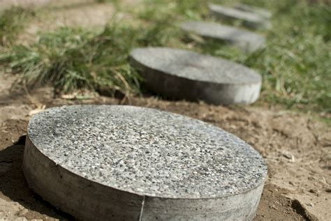 backyard stepping stones how to make stepping stones with pictures wikihow