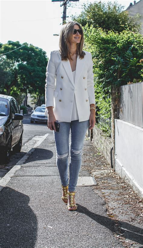 Tips To Find The Most Flattering Clothes For Your Type by Denim Buying Tips How To Find The Most Flattering Fit