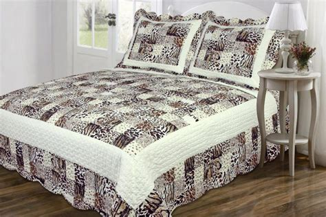 coverlet vs bedspread coverlet vs duvet gallery of intelligent design jesse