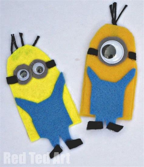 How To Make A Minion Out Of Construction Paper - despicable me minions finger puppets house and