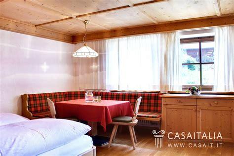 azienda di soggiorno alta badia chalet tipico in vendita in alta badia
