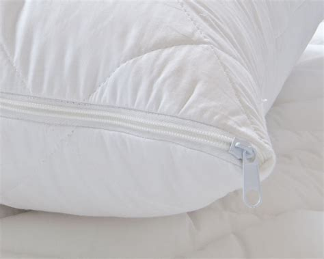 Hotel Pillows Uk by Luxury Hotel Quality Cotton Quilted Pillow