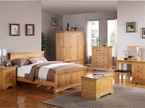 Oak Furniture Bedroom How To Attain A Beautiful And Simplistic Bedroom With The Use Of Oak Furniture Tevami
