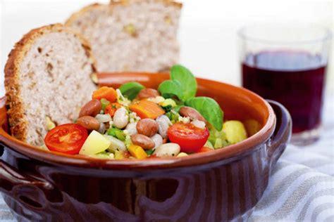 alimentazione giusta l alimentazione giusta per combattere il caldo l eco
