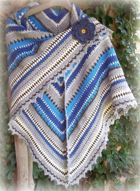 Pasmina Denim Motif 12 triangle shawl forever in blue tutorial teresa restegui crochet ponchos shawls