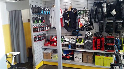 negozi arredamento varese arredamento negozio biciclette varese arredo negozio bici