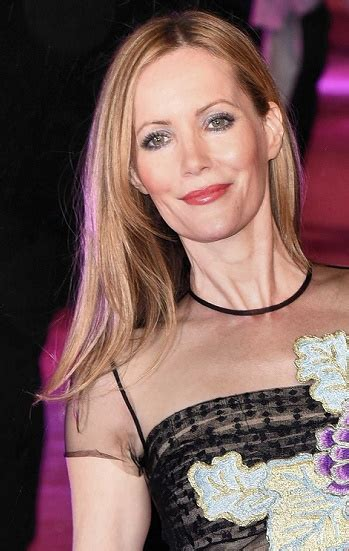 leslie mann short hair fashion files leslie mann in reem acra quot how to be