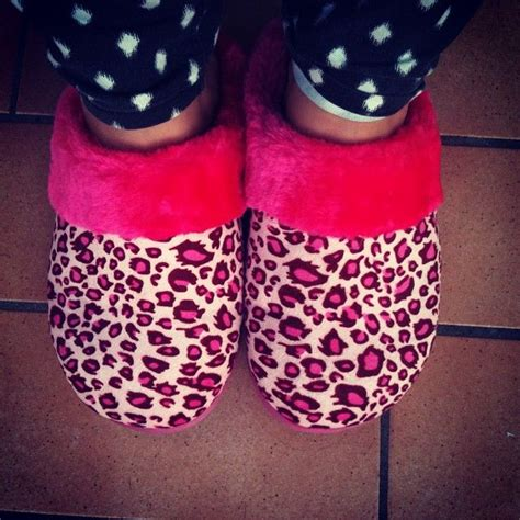 girly slippers 39 best pantuflas images on bedroom slippers