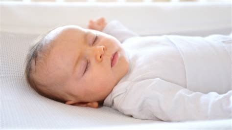 sleep no more baby no more tears innovative finnish mattress rocks babies to
