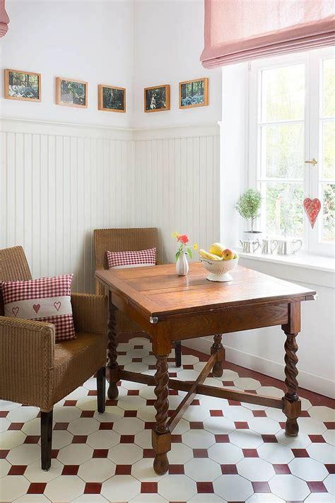 pendelleuchten wohnzimmer essecke k 252 che wandpaneele holzpaneele landhausstil