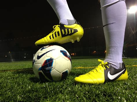 football on football boot playtest review nike ctr360 maestri iii