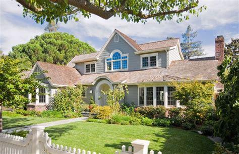imagenes de casas con jardines hermosos fachadas de casas con hermosos jardines