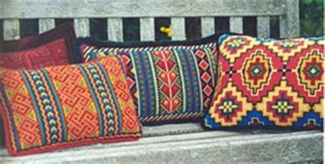 Bantal Sofa India Tribal Geometri pattern page karakum from the cross point kit collection