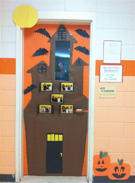 door scary house soluzioni make a haunted house with students pics in windows in