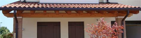 immagini di tettoie in legno tettoie in legno tutto su ispirazione design casa
