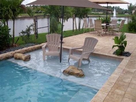 small backyard with pool 25 best ideas about small backyard pools on