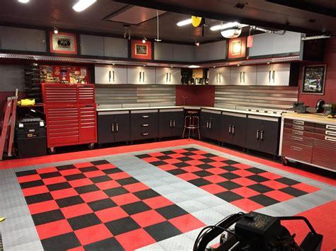 garagenboden fliesen dan s black and checkered tile garage floor garage