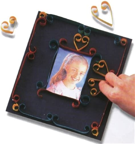 How To Make A Paper Picture Frame - quilled paper picture frame quilled paper picture frame