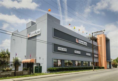 La Furniture Store by Design Center Floor Model Sale