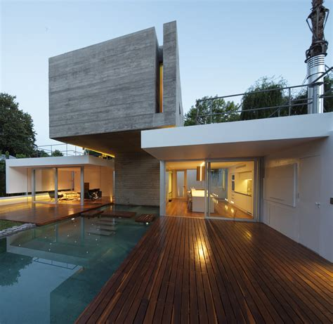 casa en arelauquen estudio ramos plataforma arquitectura casa b 250 nker estudio botteri connell plataforma