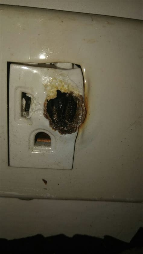 outlet burnt       replace doityourself