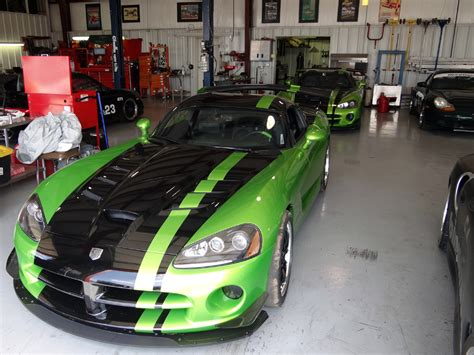green and black viper green acr dodge vipers racing zero to 60 times