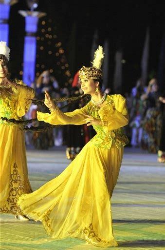 uzbek girl uzbekistan dance cultural pinterest girls and 17 best images about uzbekistan on pinterest kazakhstan