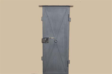 porte in ferro per cantine prezzi la ringhiera sas 187 porte cantine multiuso e tagliafuoco