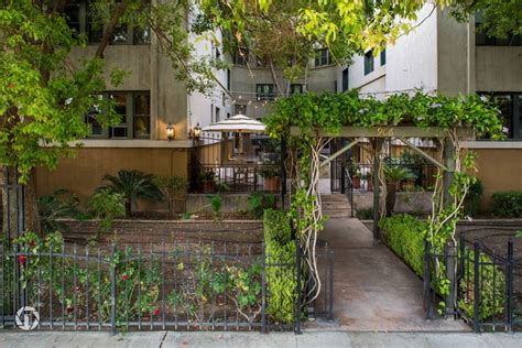 New York Vintage Apartments Bakersfield Ca New Yorker Vintage Apartments Rentals Bakersfield Ca