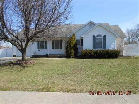 113 canterbury st lawrenceburg ky 40342 foreclosed home
