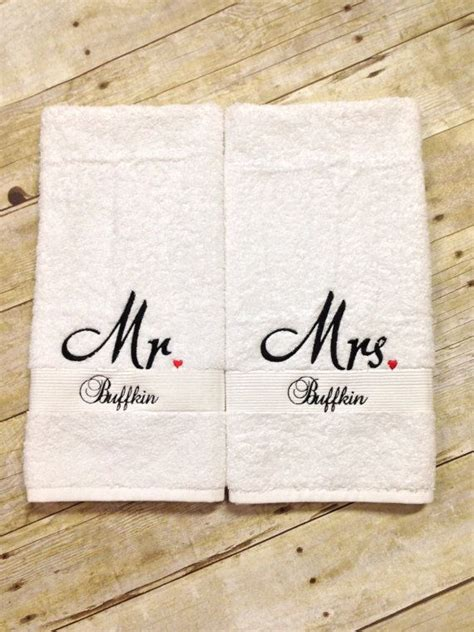 Wedding Anniversary Gift With Name by 25 Best Ideas About Towels On Kitchen