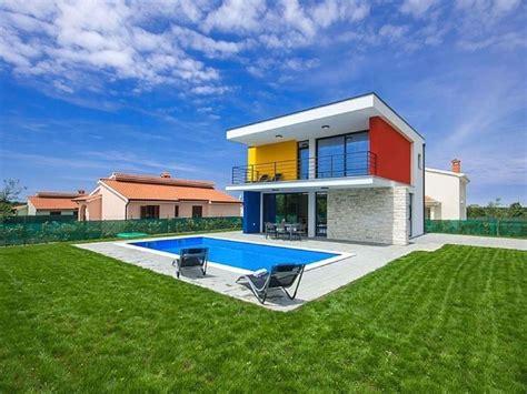 esterno casa dipingere esterno casa unifamiliare consigli e costi