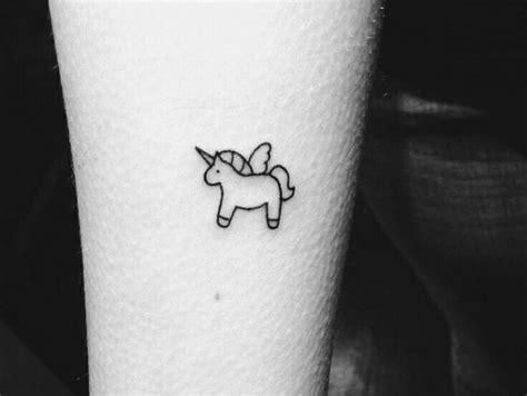 galaxy in miniature minimalist tattoos on inspirationde tatuajes peque 241 os para mujeres hombres y con significado