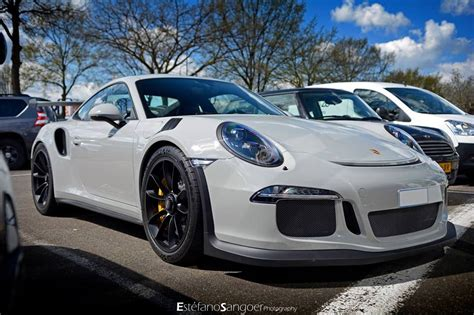 Fashion Grey Porsche 991 Gt3 Rs Spotted With Guard Dog