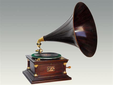 Gold Sconces Victor Vi Wood Horn Phonograph