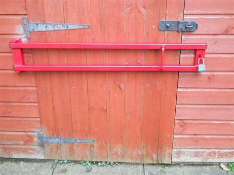 Heavy Duty Door Lock Security Bar Hinged 1100mm Long Ebay Garage Door Security Bar