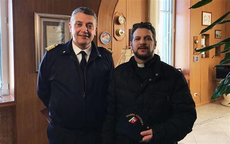capitaneria di porto di brindisi il cappellano militare visita la capitaneria di porto di