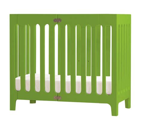 Mini Cribs For Small Spaces Find The Right Small Crib For Your Small Space Livingcitybaby Living