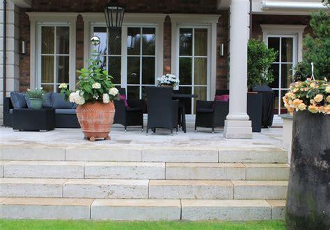 Terrasse Mit Stufen by Terrassen Aus Stein Oder Holz Reinhard Sch 228 Fer Garten