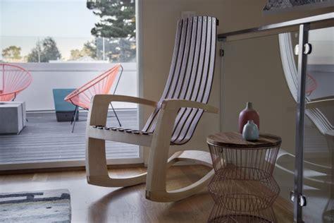 Merveilleux Chaise Design Bascule #5: Rocking-chair-bois-design-élégant.jpg