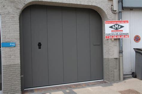 porte grise panneaux lisses smf services