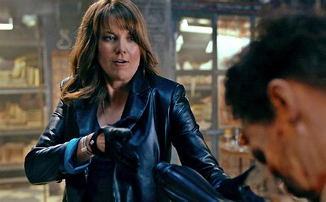 lucy lawless evil dead ash vs evil dead lucy lawless channels xena skills in