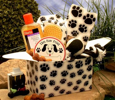 puppy gift basket paw prints gift collection pet gift baskets arttowngifts