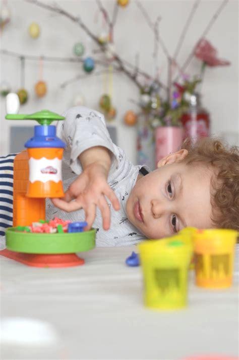giochi da fare in casa per bambini play doh giochi da fare in casa per i bambini con l