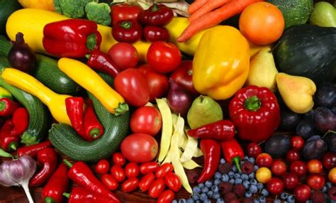 tip of the day fill up on colorful fruits and vegetables